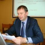 Raportöör Tõnis Kõiv tutvustas raportit