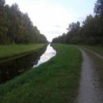 Kanaliäärne tee vaatega Jüri suunas