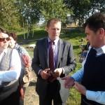 Reoveejaama töötaja selgitusi kuulan mina ja kolleeg Kaja Kreisman