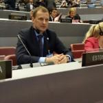 Pildil veel delegatsiooni liikme Marika Tuus-Laul, Jaan Õunapuu on saalist väljas ja Erki Nool seekord ei osalenud.