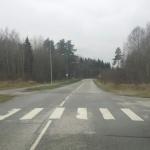 Just see koht vajaks hädasti üles tõstmist, et vähendada  läbivate autode kiirust
