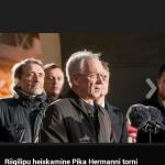 Kõneleb Eiki Nestor, taamal Paul-Eerik Rummo, mina ja Imre Sooäär. Postimehe foto