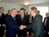 Arnold Rüütel Koerus tervitamas Paide sõpruslinna Westminsteri (USA) volikogu esimeest.